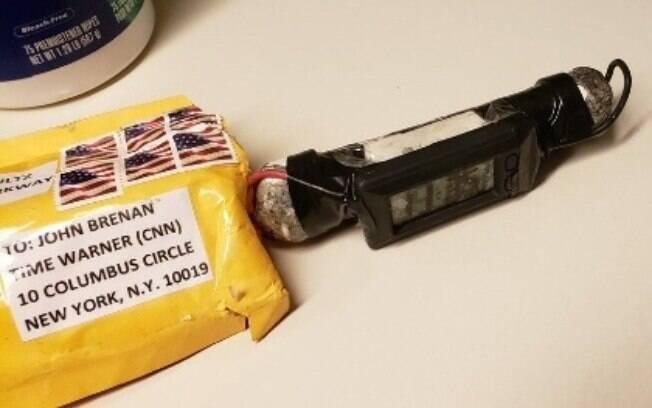 FBI investiga explosivos enviados a casa de George Soros, Hillary Clinton, Barack Obama, sede da CNN e outros dois líderes do Partido Democrata