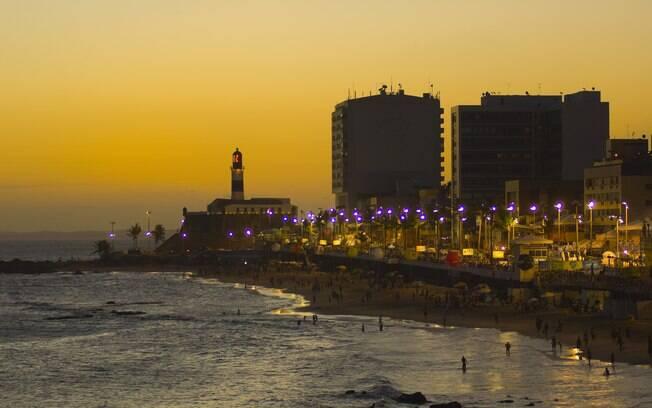 Praia da Barra, uma das mais frequentadas da capital baiana