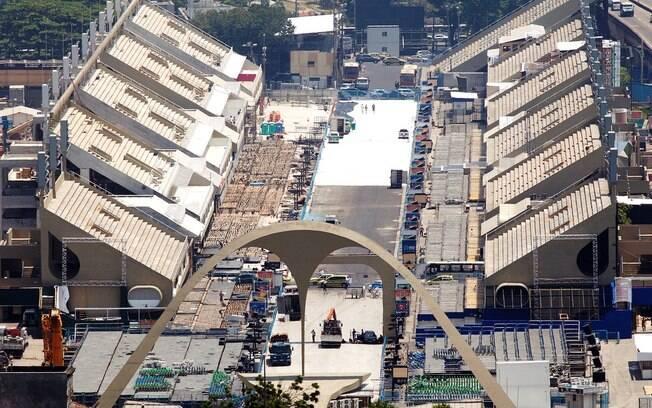Vista aérea do novo sambódromo do Rio de Janeiro após a reforma