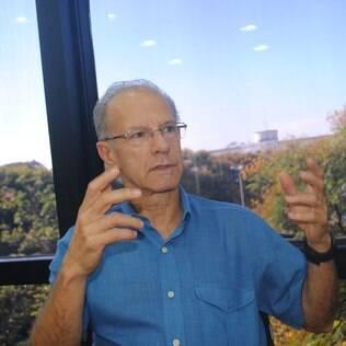 Psiquiatra brasileiro e consultor da Organização Mundial da Saúde, José Manoel Bertolote afirma que é possível prevenir o suicídio. Leia entrevista
