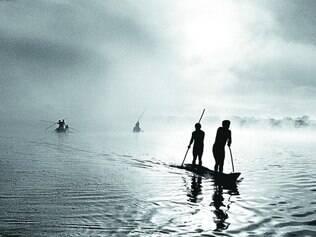 Séries. Em Amazônia e Pantanal, Sebastião Salgado fotografa não só a exuberância da fauna e da flora, mas o dia a dia dos habitantes
