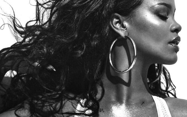 Rihanna posa para a revista americana Vogue e fala sobre o seu atual relacionamento com o rapper Drake