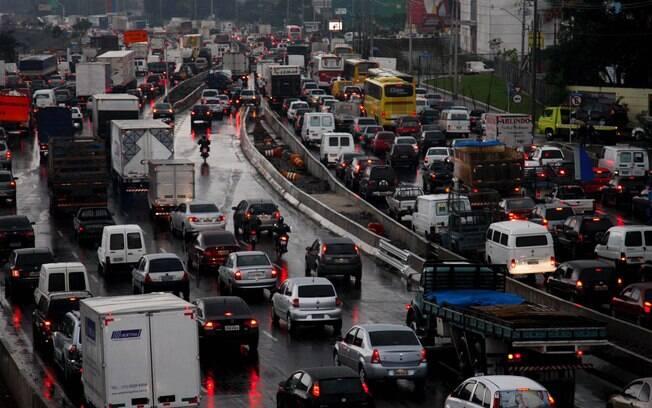 Prefeitura decide manter o rodízio em São Paulo nesta sexta-feira mesmo com a greve geral