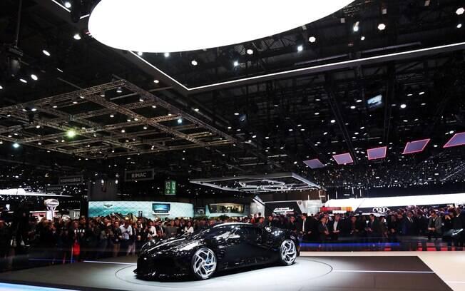 Salão de Genebra 2019 tem o exemplar único do Bugatti La Voiture Noir como a grande vedete do evento suíço