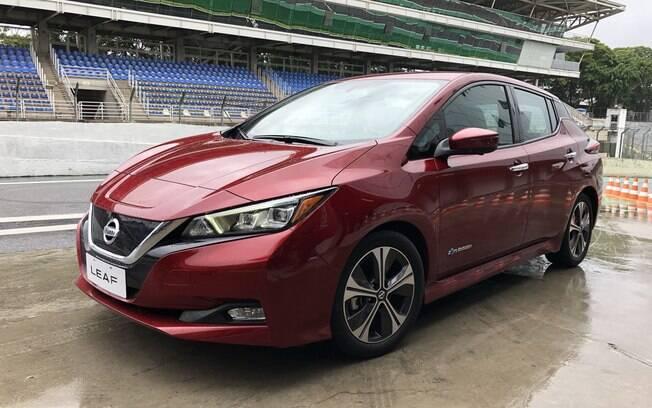 Nissan Leaf 2019 é apresentado à imprensa, em dia chuvoso, no Autódromo de Interlagos, na capital paulista