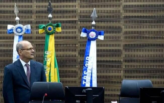 Desembargador Abel Gomes divulgou nota sobre Operação Furna da Onça