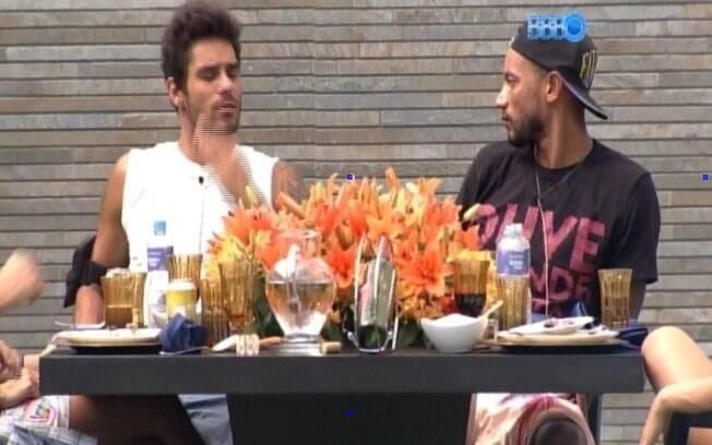 Vanessa e Diego falam sobre uso de anabolizantes