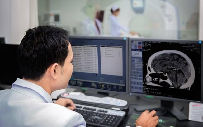 Equipe médica encontrou 100 ovos de tênia no cérebro de menina indiana de 8 anos, após ela sofrer dores de cabeça
