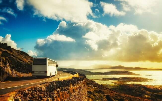 Descubra quais são as vantagens de fazer uma viagem de ônibus