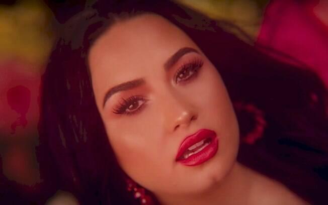 """Demi Lovato revela temor pela carreira após deixar de lado a imagem """"sexy"""""""