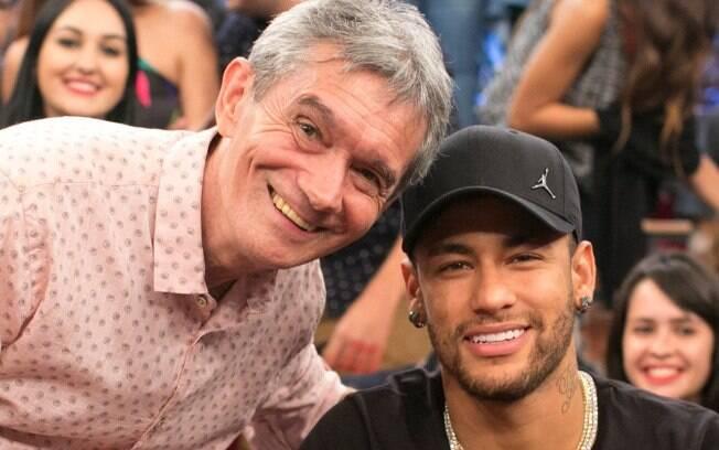 Neymar e seus amigos batem-papo no palco do