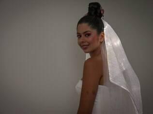 Véu de LED: acende quando os noivos se beijam