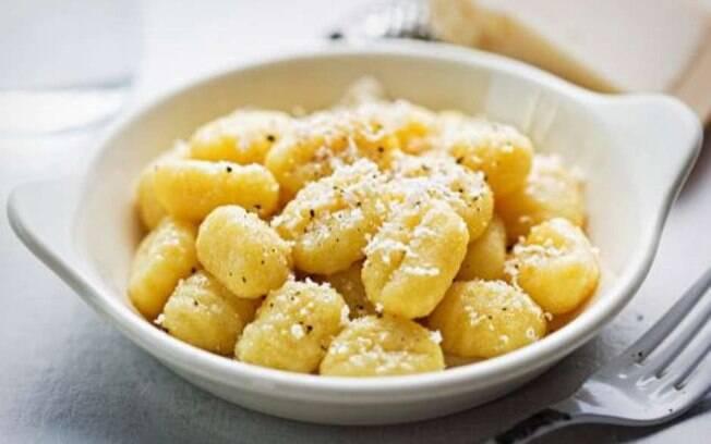 Use aipim para fazer a massa, fica delicioso!