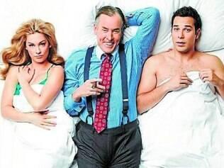 O chefe (John C. McGinley) de Brody atrapalha a relação do casal