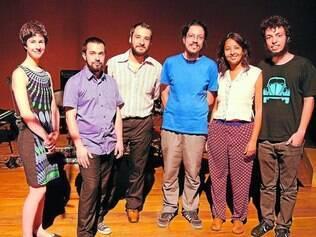 Encontro. Músicos e videoartistas uniram-se em 2013 para criar o grupo, valorizando os gestos que agem sobre instrumentos sonoros