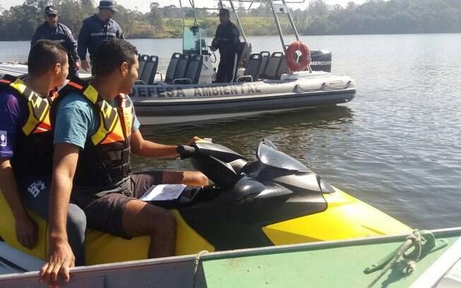 Ação Polícia Militar Ambiental apreendeu redes de pesca ilegal e impediu caçadores nas matas ao redor das represas  Guarapiranga e Billings