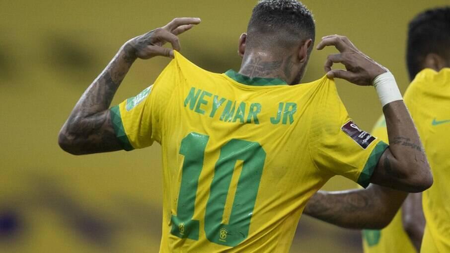 Neymar estará em campo neste domingo contra a Colômbia