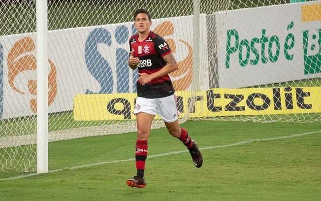 Na cola do Galo! Pedro decide no último lance e dá vitória ao Flamengo sobre o Goiás