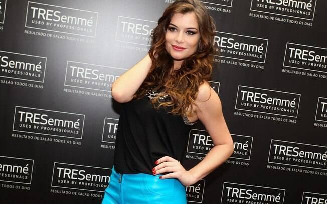 Alinne Moraes 2013
