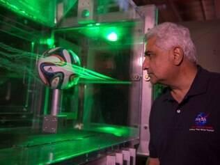 Um teste realizado dentro de um túnel de vento comprovou a eficácia da bola