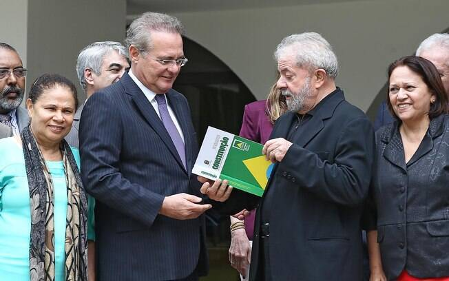 Ex-presidente Lula durante café da manhã na casa de Renan Calheiros nessa quarta-feira (90