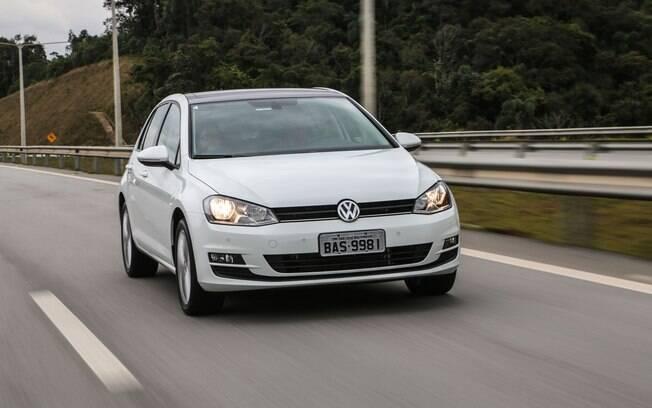 Esqueça o motor 1.6, o Volkswagen Golf 1.0 TSI é a verdadeira versão de entrada do hatch médio, por R$ 74.990.
