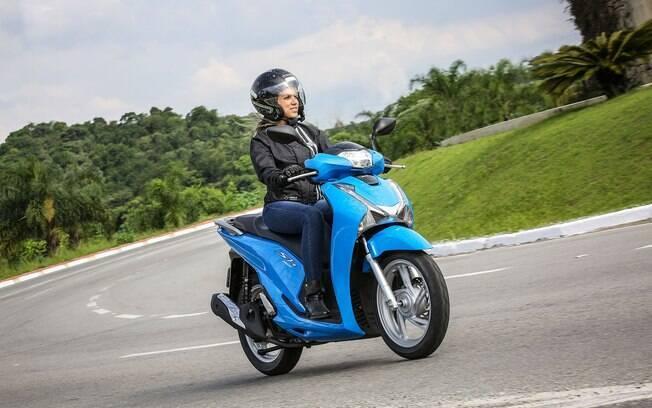 Honda SH150i chega bem equipado, com desenho arrojado e com baixo consumo para andar no dia a dia