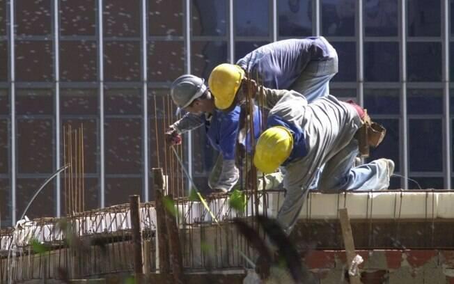 Confiança da construção cresce 3,7 pontos em outubro