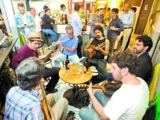 União. Dentro do Bar do Salomão, a roda de choro acontece das 18h às 22h, mesclando gerações