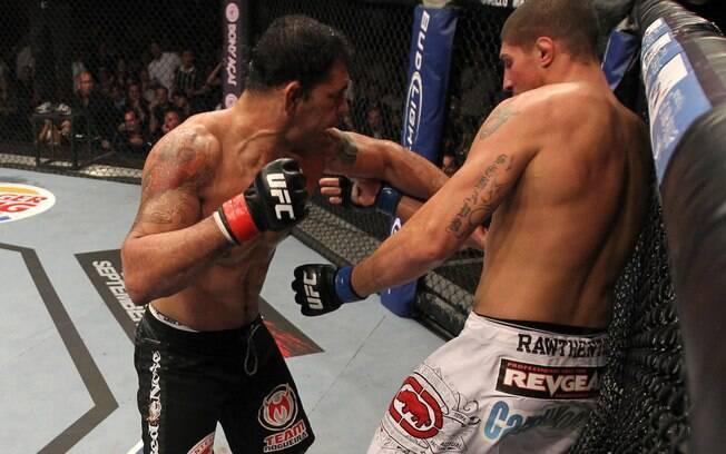 Também no UFC Rio I, Minotaurou nocauteou  Brensan Schaub