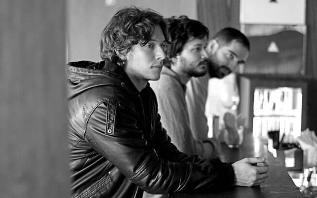 Gabriel Soares, vocalista da Atalhos, elege suas músicas favoritas na playlist desta semana