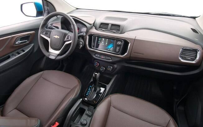 Chevrolet Spin 2019: entre as mudanças, está o grafismo do quadro de instrumentos e a nova cor marrom de acabamento