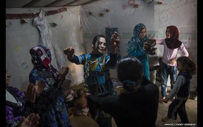 'Após quase 1 ano registrando refugiados sírios na Turquia, Líbano, Jordânia e Iraque, finalmente testemunhei alegria', diz fotógrafo. Foto: Lynsey Addario/Acnur