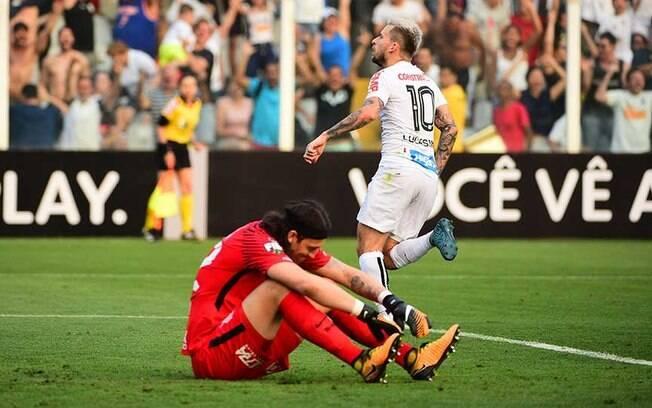 Lucas Lima marcou o primeiro do Santos na vitória sobre o Corinthians