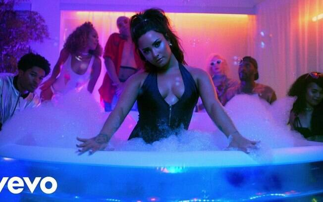 Demi Lovato no seu single Sorry Not Sorry