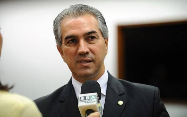 Reinaldo Azambuja (foto) obteve 576.993 votos, enquanto o segundo colocado, Juiz Odilon (PDT), foi escolhido por 31,62% do eleitorado (405.606 votos)