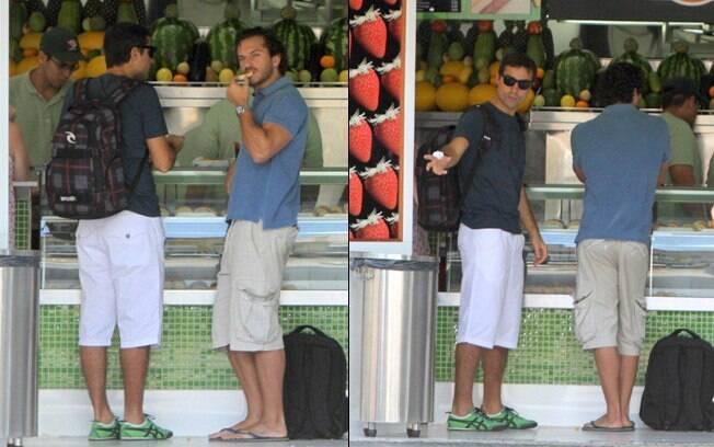 Ricardo Pereira e Paulo Rocha fazem um brunch em lanchonete do Leblon