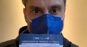 Alexandre Nero toma vacina contra Covid
