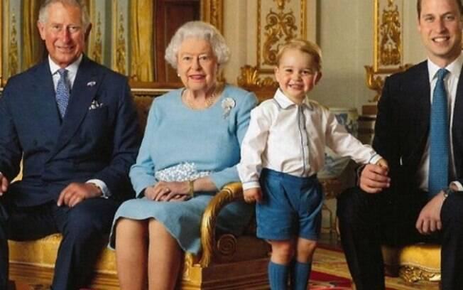 Prícipe George roubou a cena em foto de família