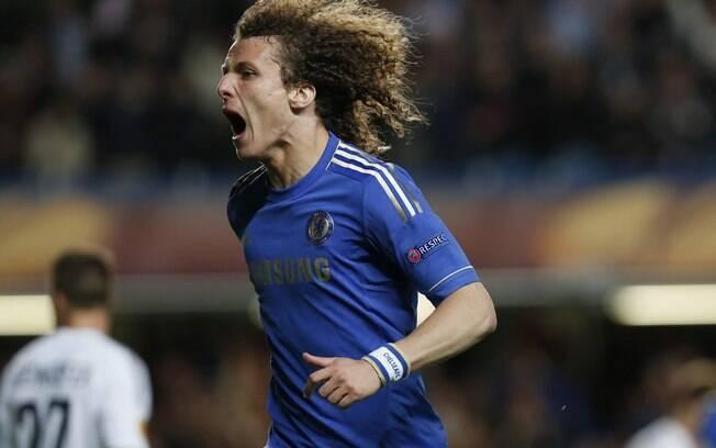 9defe4d4a6 David Luiz comemora gol marcado contra o Basel