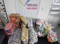 Pizzaria doa alimentos para o Fundo Social de Solidariedade