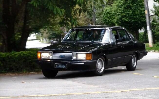 Chevrolet Opala Diplomata, versão topo de linha do sedã, esbanjava luxo em meados dos anos 80 no Brasil