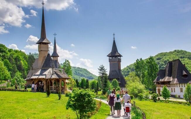 As igrejas de madeira são marca registrada da região, e estão entre as maiores (e mais belas) do tipo na Europa