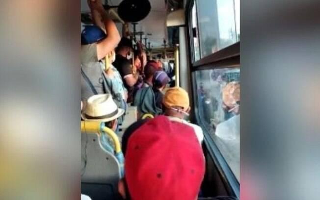 Passageiros reclamam de aglomeração em linhas de ônibus de Campinas