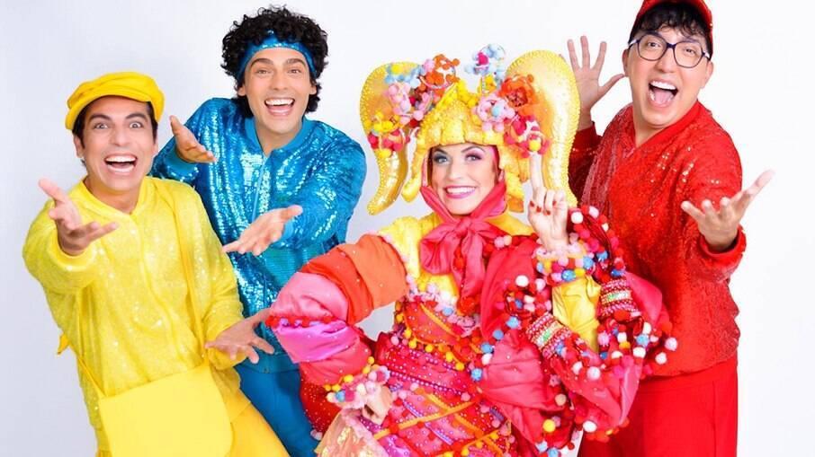 Carol Costa, Diego Campagnolli , Rodrigo Dorado e Vinícius Loyola no espetáculo