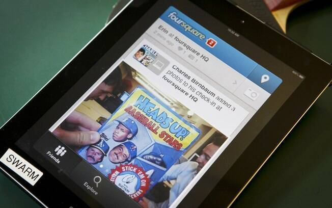 Aplicativos como o Foursquare permitem compartilhar geolocalização com amigos por meio do celular ou tablet