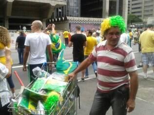 Francisco quer acabar com o estoque que sobrou da Copa do Mundo