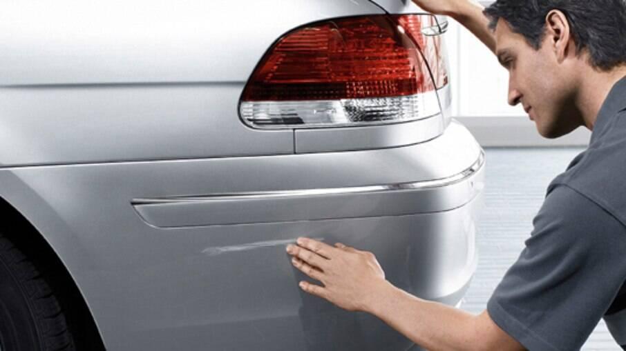 A lataria entrega muito do histórico de acidentes que o carro já passou. Nem tudo o que reluz é ouro, logo tome cuidado