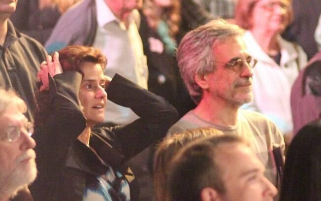 Marieta Severo assiste ao espetáculo