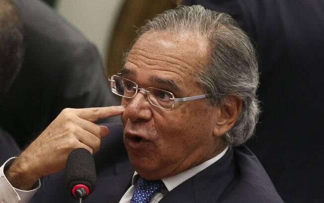 Paulo Guedes mudou as prioridades do Ministério da Economia depois das críticas públicas de Bolsonaro a seu projeto de Renda Brasil
